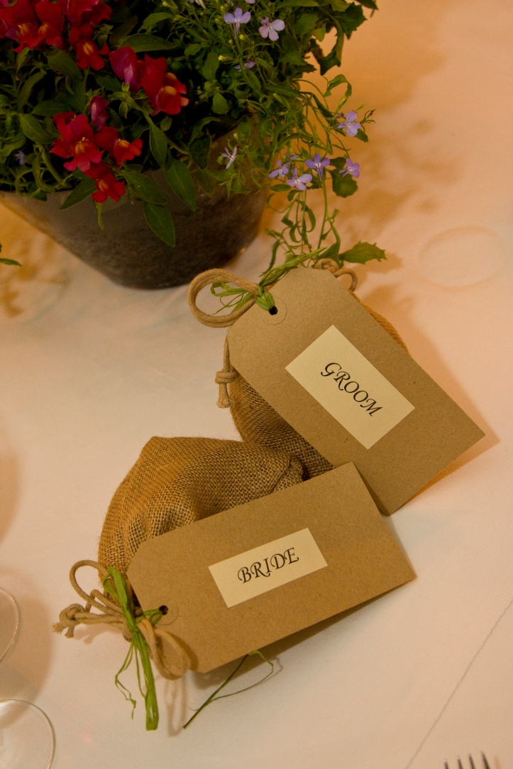 bulb wedding favours