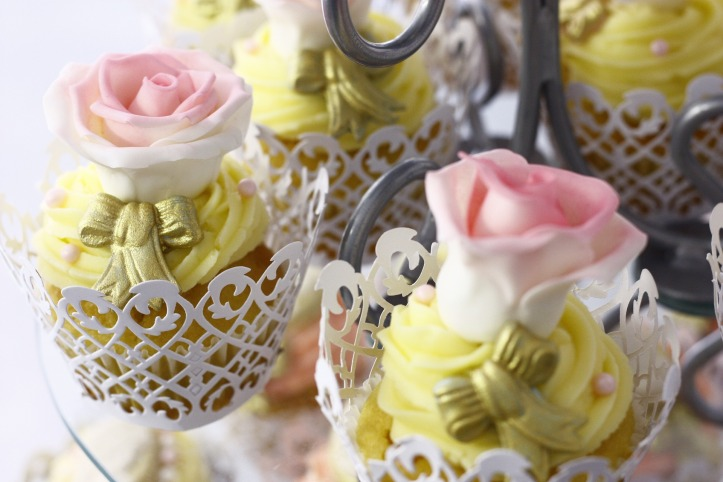 cupcakes-1149695_1920